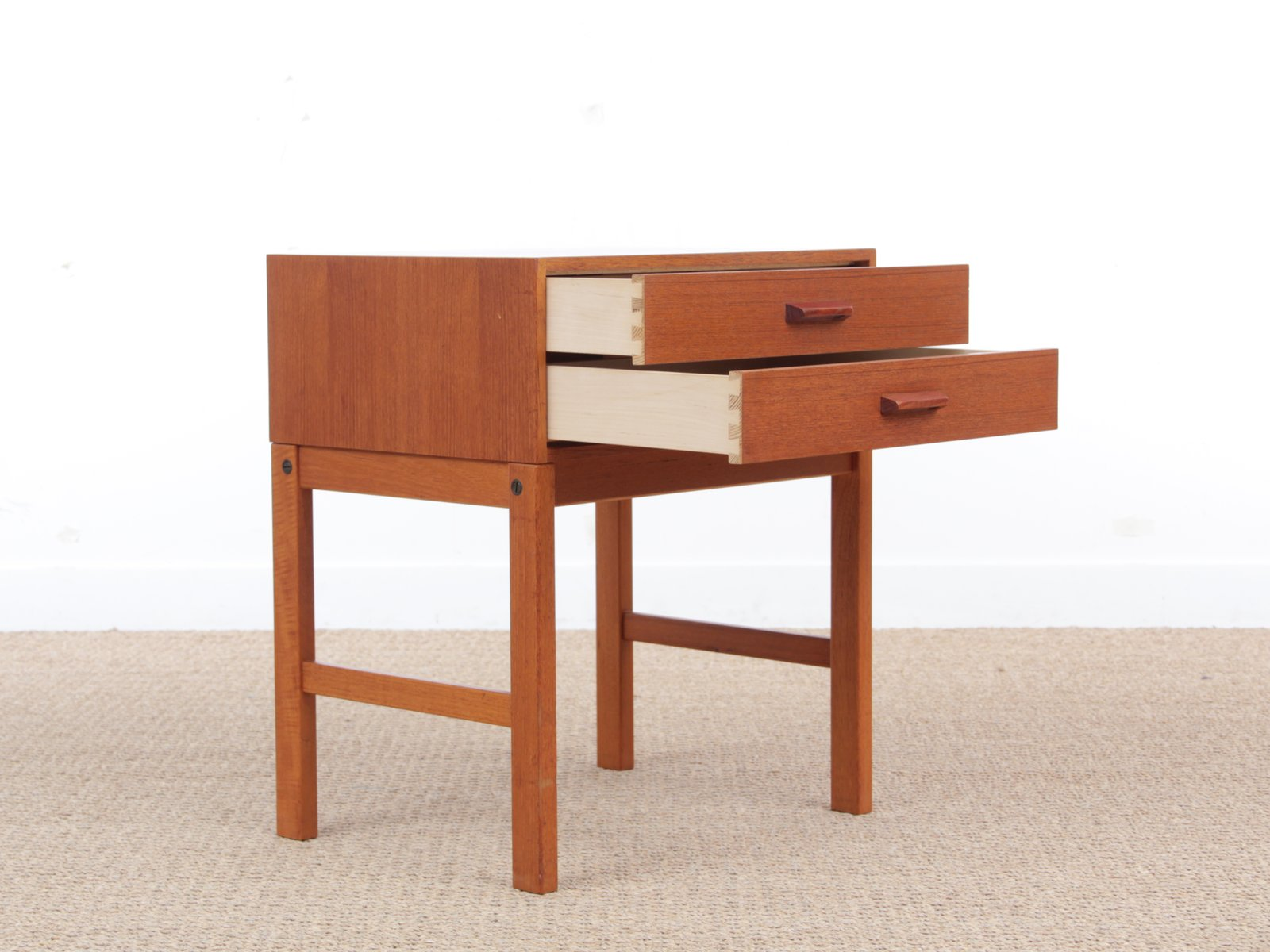 Mid century modern scandinavian hall furniture in teak for Mid century modern danish furniture