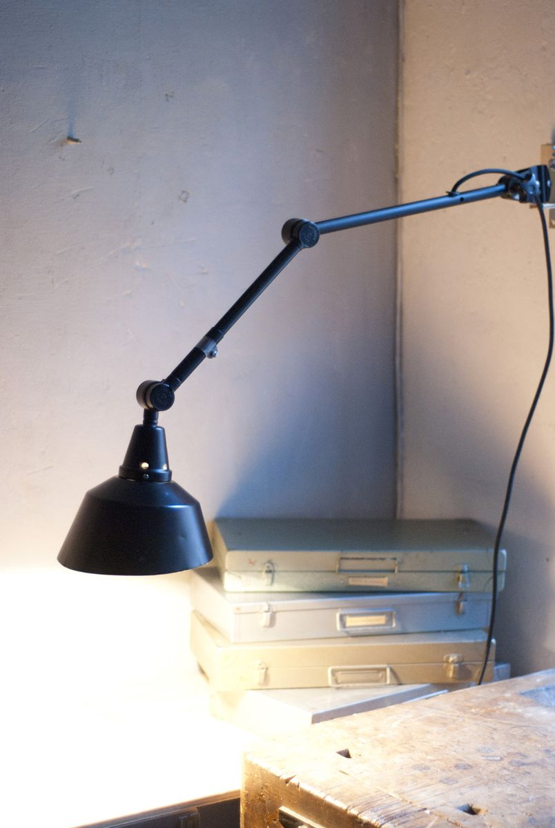 schwarz lackierte vintage lampe aus metall von curt. Black Bedroom Furniture Sets. Home Design Ideas