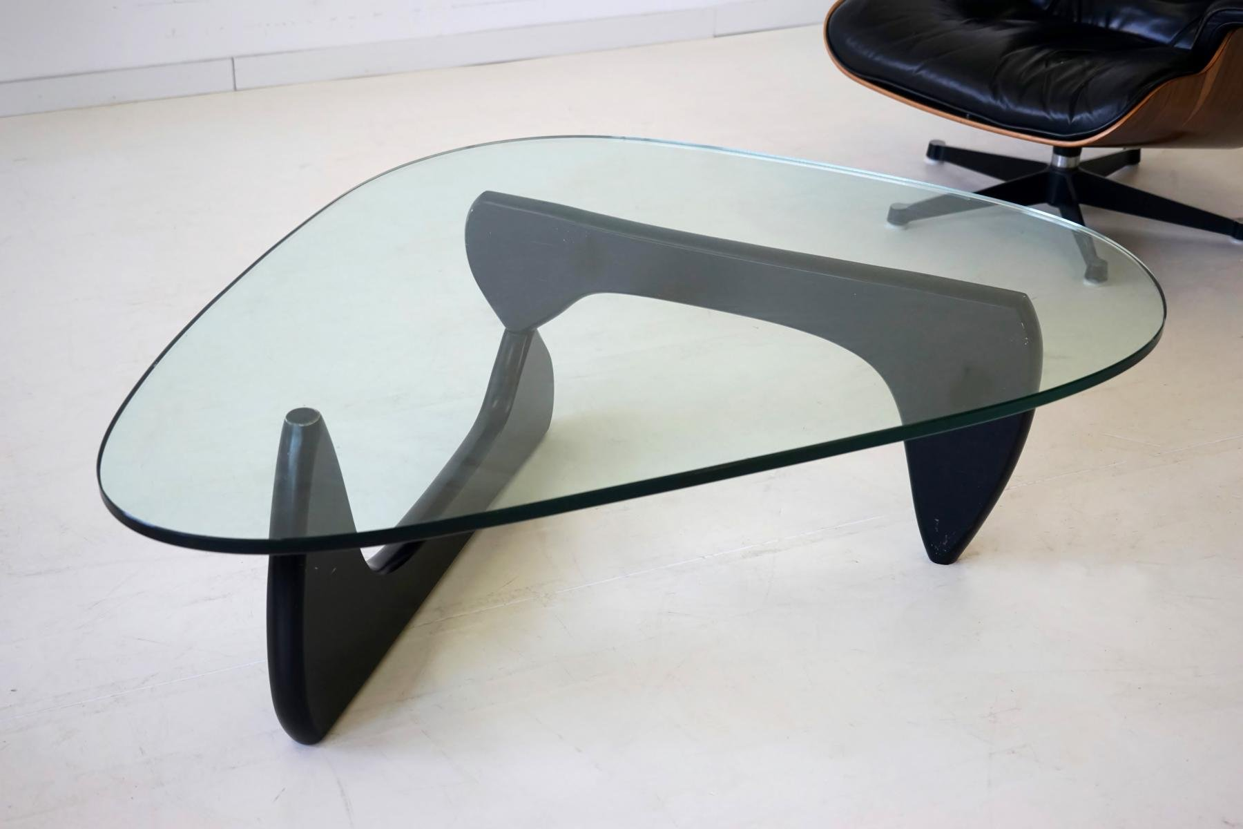 glass coffee table by isamu noguchi for herman miller. Black Bedroom Furniture Sets. Home Design Ideas