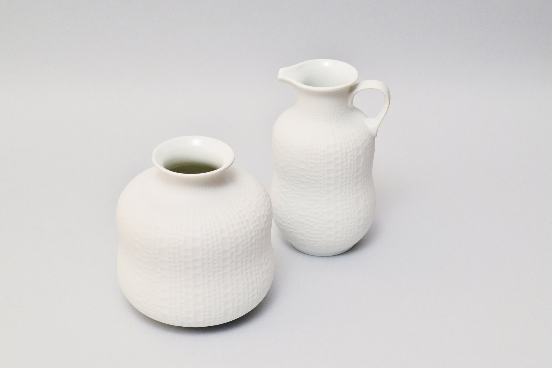 handgemachte wei e vintage biskuitporzellan vasen von