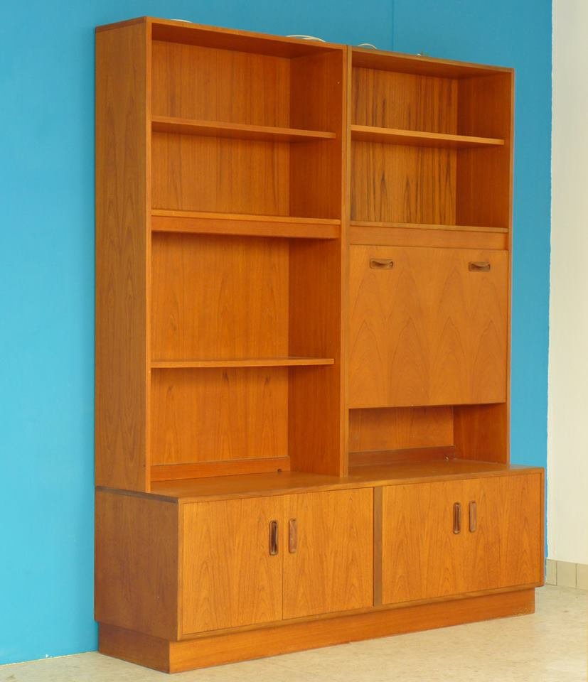 teak regalsysteme mit sekret r schrank von g plan 1960er 2er set bei pamono kaufen. Black Bedroom Furniture Sets. Home Design Ideas