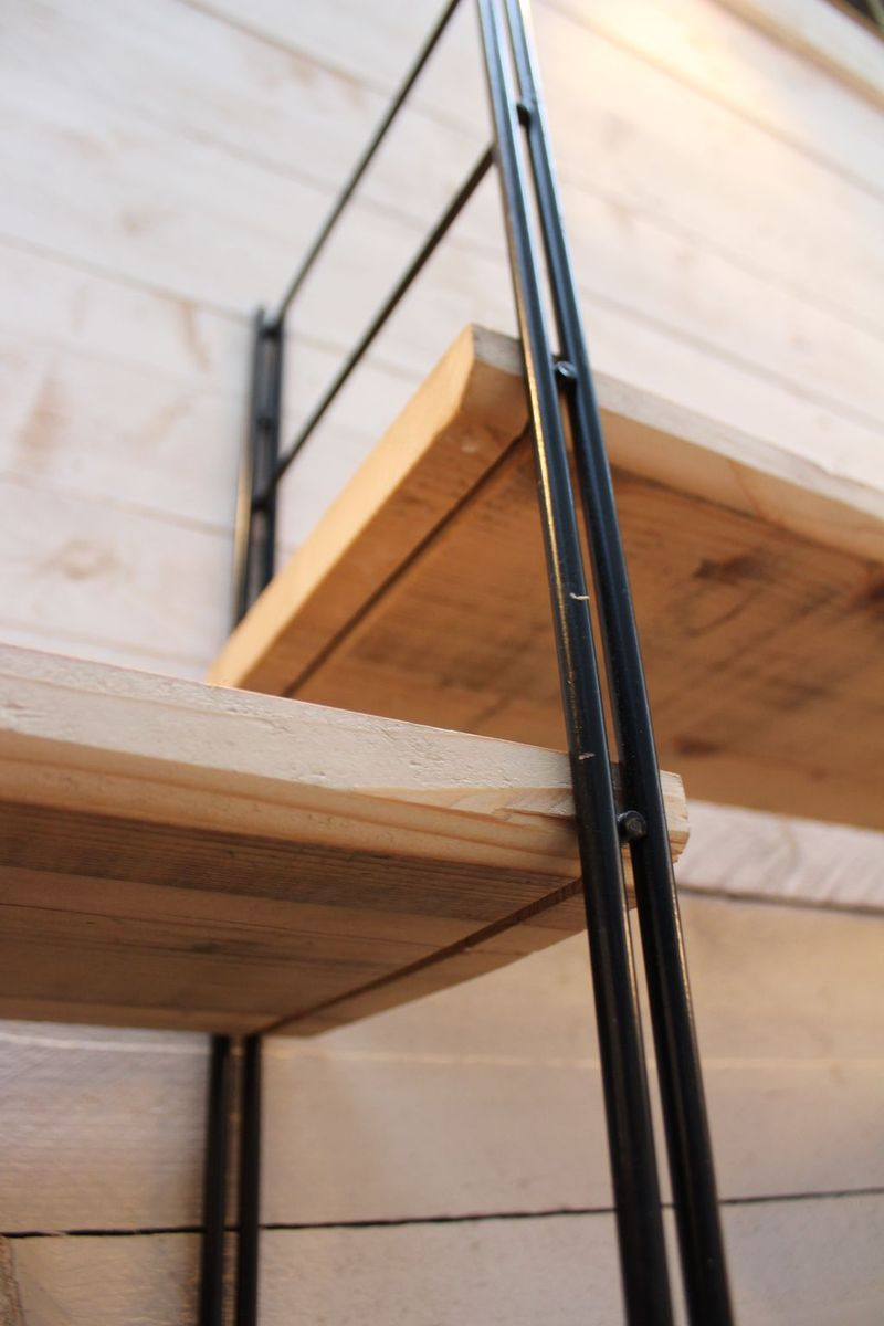 regal aus metall holz 1960er bei pamono kaufen. Black Bedroom Furniture Sets. Home Design Ideas