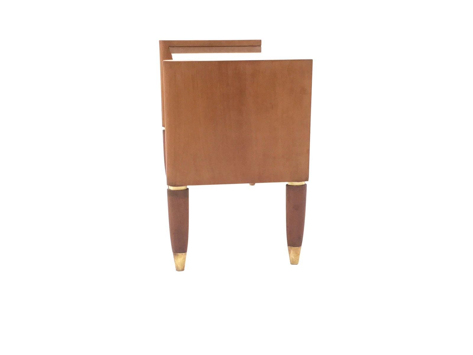 table de chevet en noyer avec un plateau en verre italie 1940s en vente sur pamono. Black Bedroom Furniture Sets. Home Design Ideas