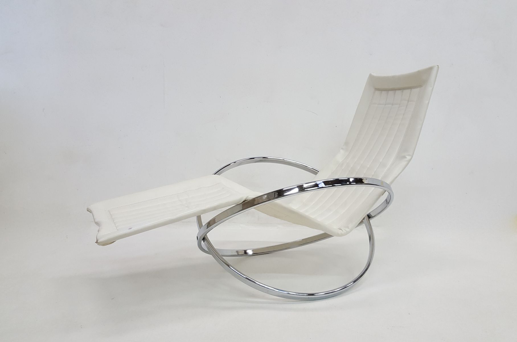 Vintage Jet Star Folding Chaise Lounge by Roger Lecal for sale at