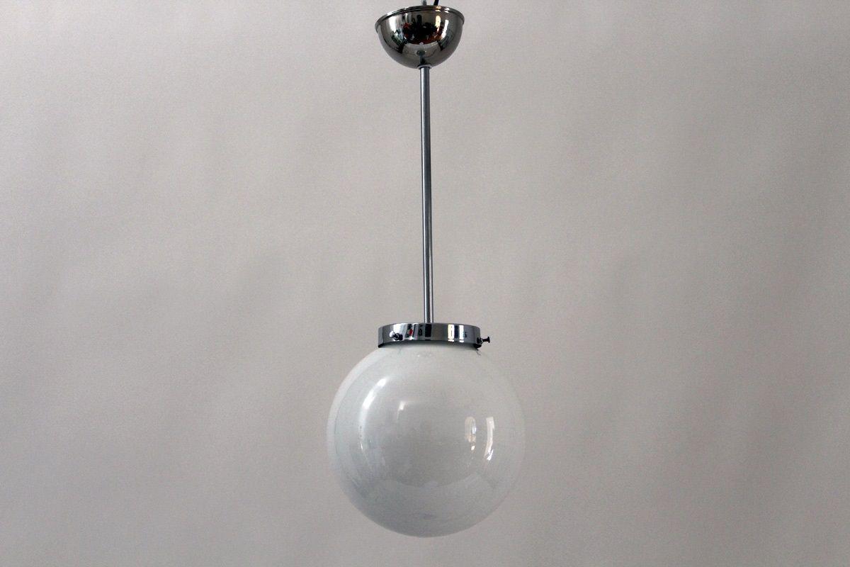 h ngeleuchte mit kugel aus opalglas im bauhaus stil 1949 bei pamono kaufen. Black Bedroom Furniture Sets. Home Design Ideas