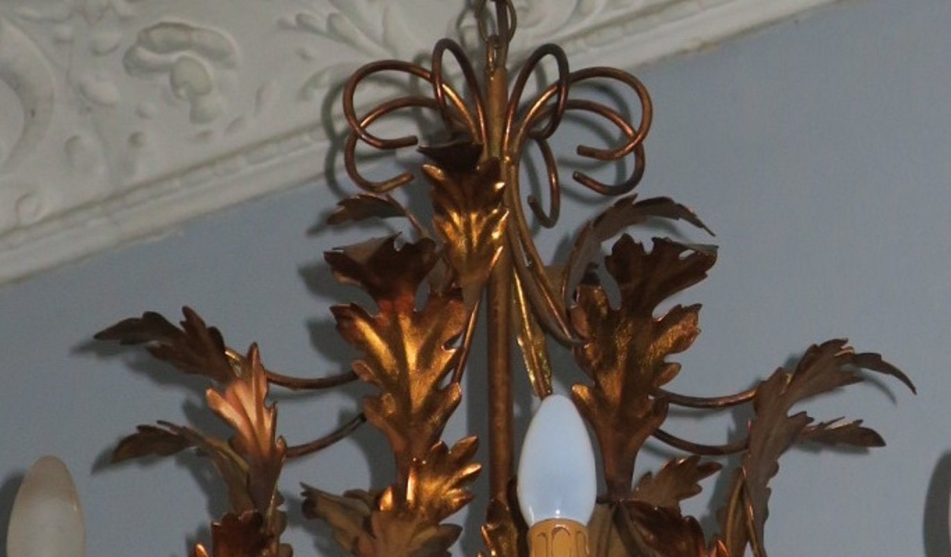 Large hollywood regency gilt tole chandelier with 8 lights 1970s 217800 mozeypictures Image collections