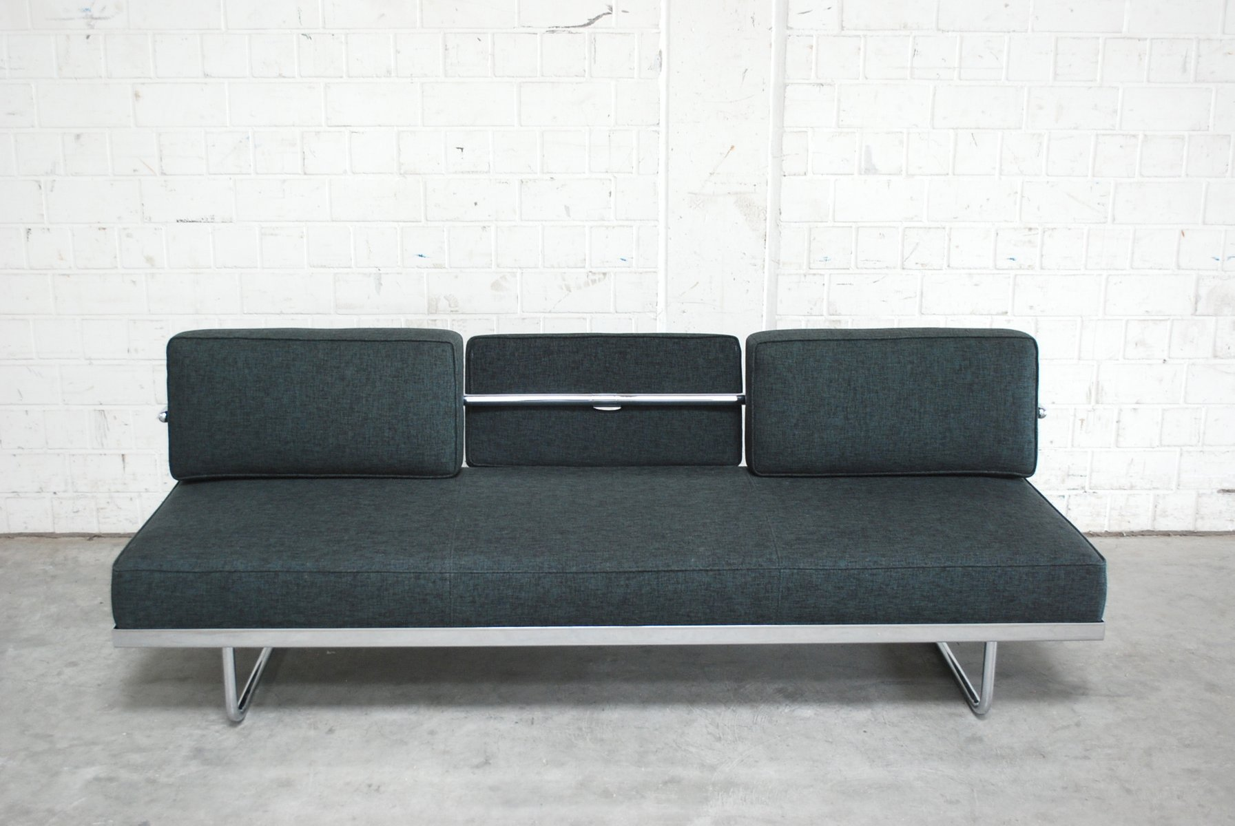 Vintage LC5. F Daybed by Le Corbusier for Cassina for sale at Pamono