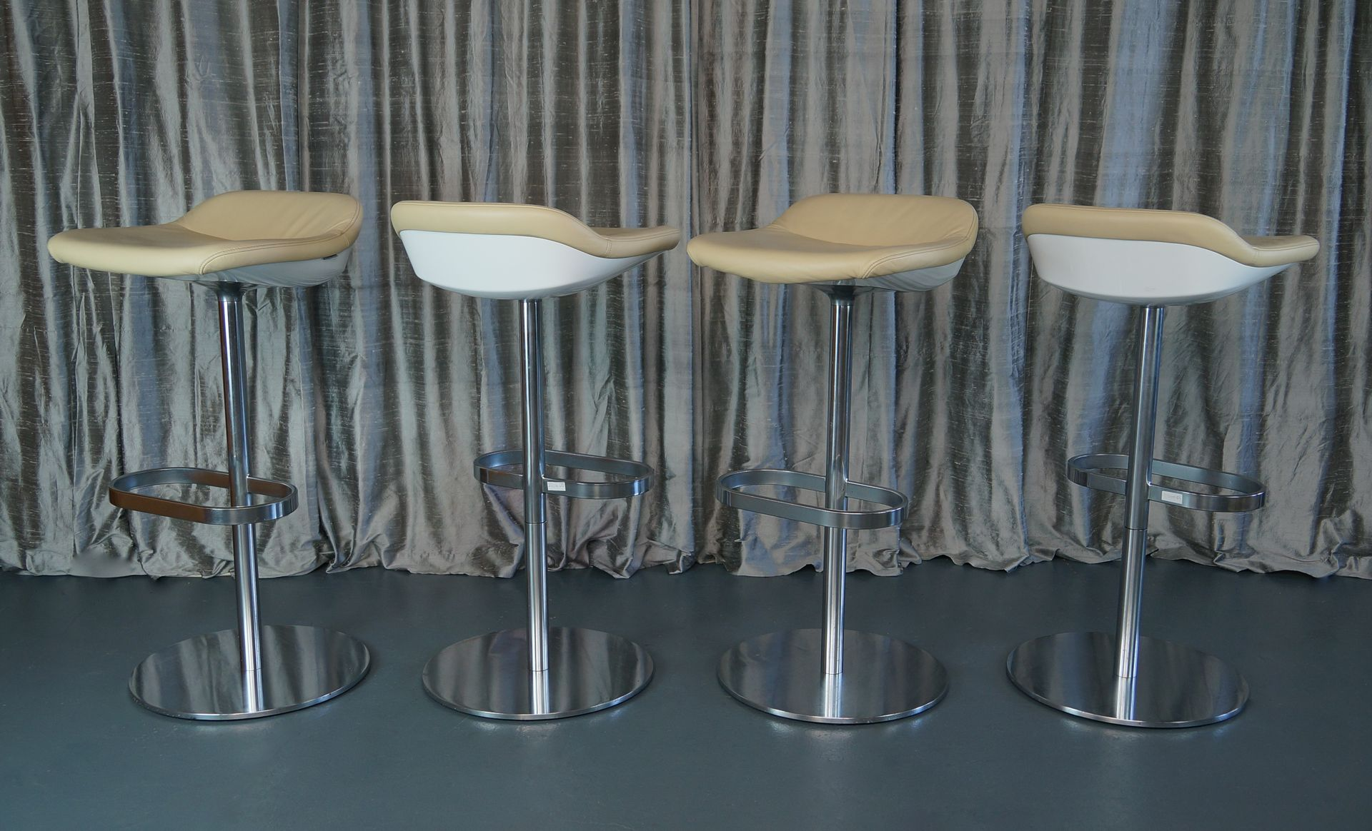 Cream Leather Turtle Bar Stools by PearsonLloyd for Walter Knoll ...