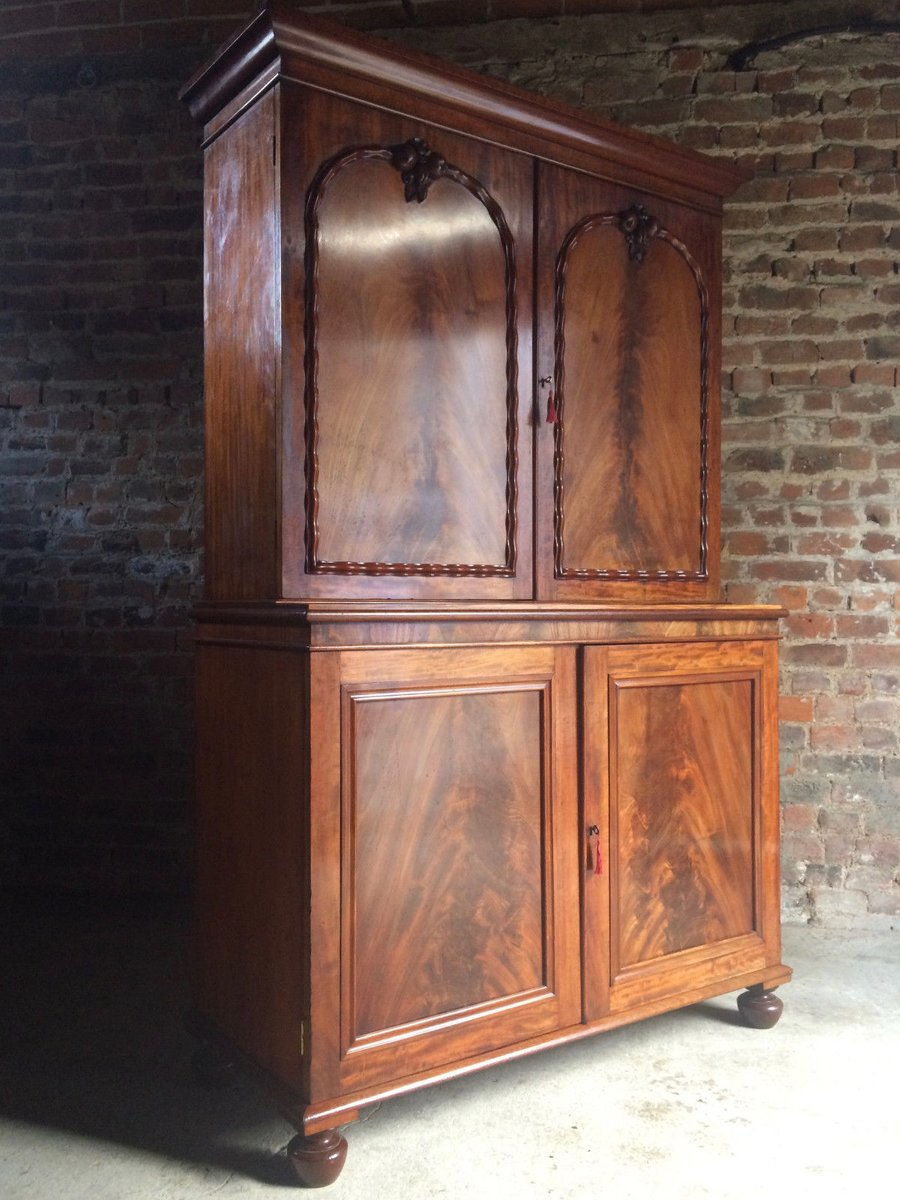 Antique Regency Linen Cupboard in Mahogany, 1820s - Antique Regency Linen Cupboard In Mahogany, 1820s For Sale At Pamono