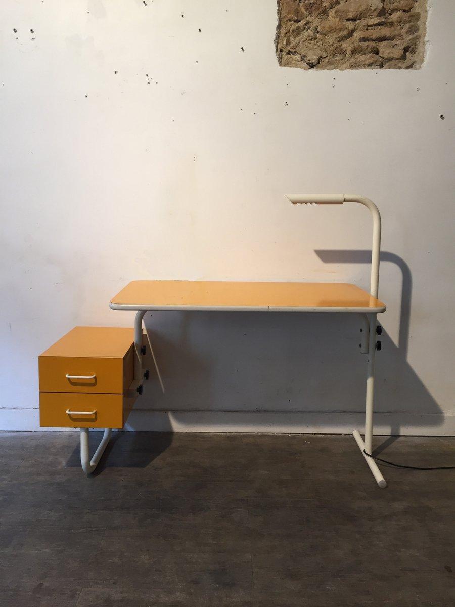 gelber vintage schreibtisch bei pamono kaufen. Black Bedroom Furniture Sets. Home Design Ideas