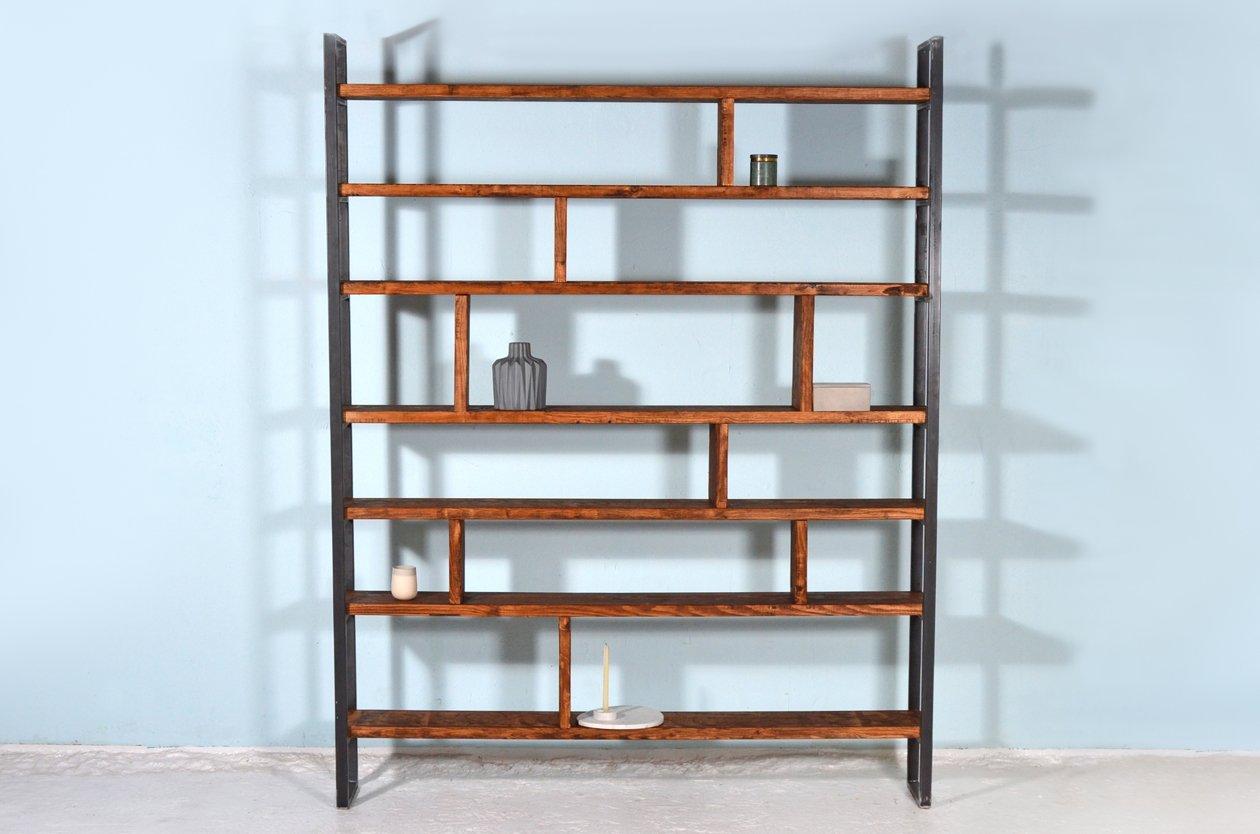 susteren zwart regal aus recyceltem bauholz stahl von johanenlies bei pamono kaufen. Black Bedroom Furniture Sets. Home Design Ideas