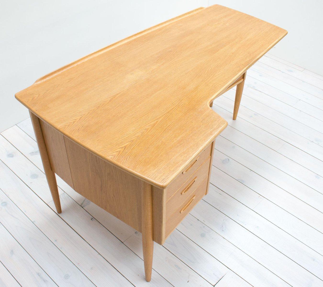 schwedischer eichenholz boomerang schreibtisch von goran. Black Bedroom Furniture Sets. Home Design Ideas