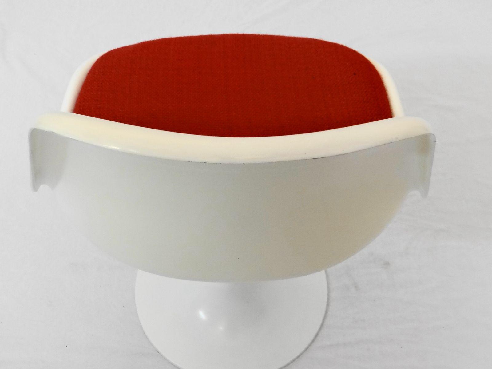 stuhl mit tulpenfu und tisch 1960er 2er set bei pamono kaufen. Black Bedroom Furniture Sets. Home Design Ideas