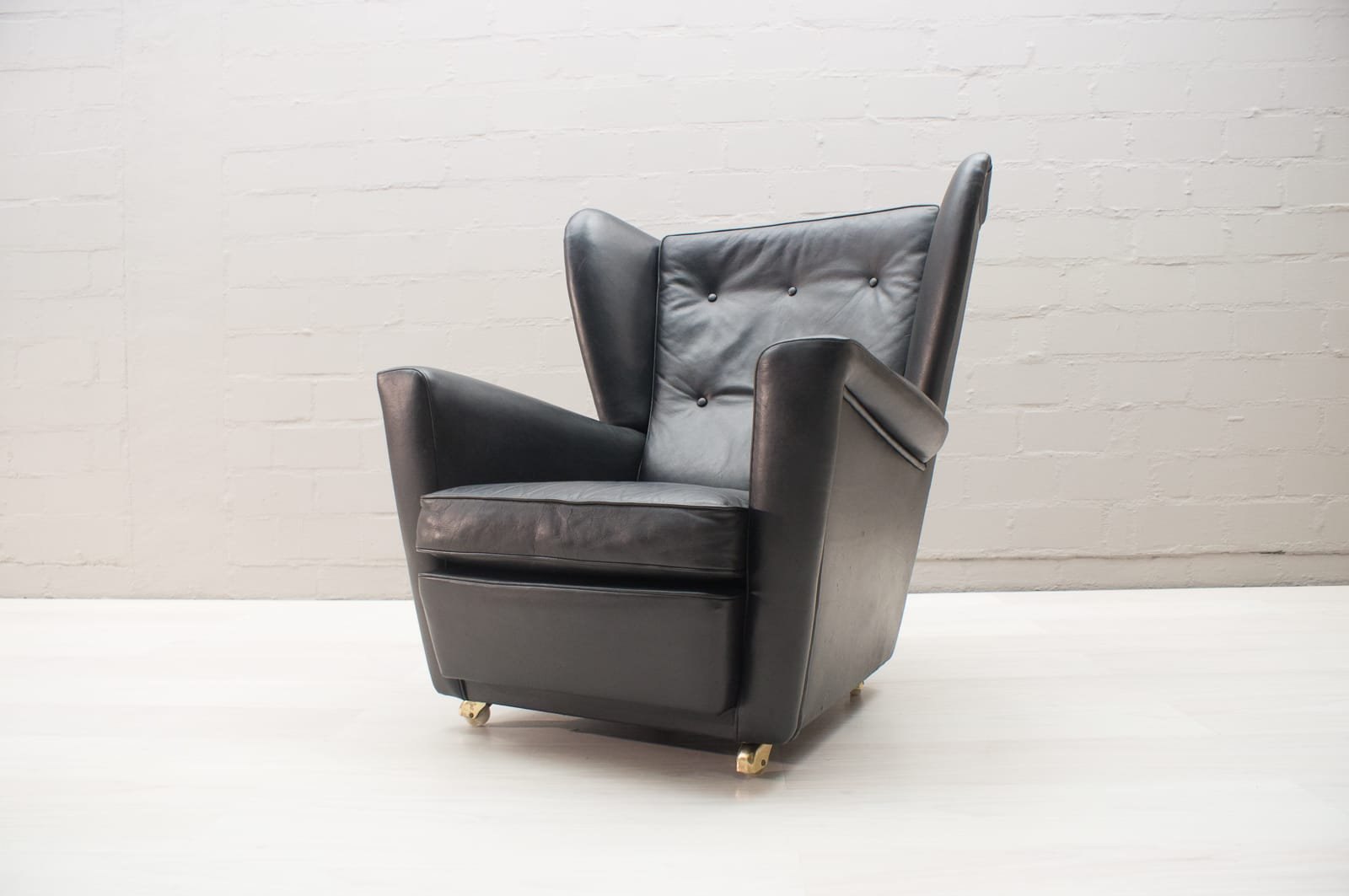 fauteuil oreilles mid century angleterre en vente sur pamono. Black Bedroom Furniture Sets. Home Design Ideas