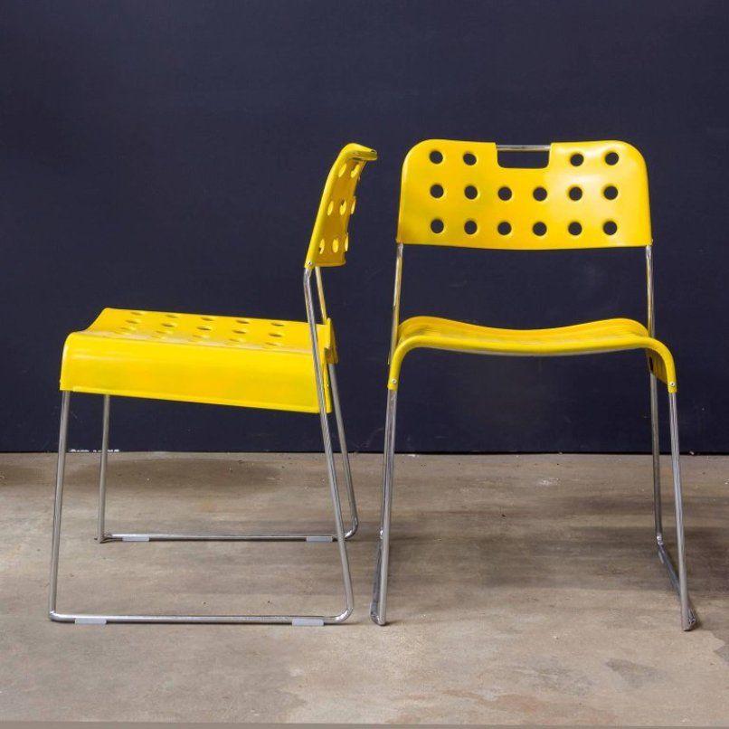 gelbe stapelbare omstak st hle von rodney kinsman 1971. Black Bedroom Furniture Sets. Home Design Ideas