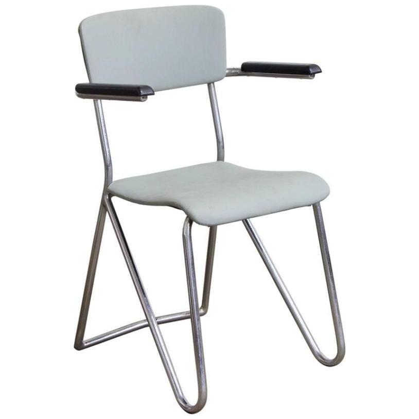 Chaise en vinyle par cor alons pays bas 1932 en vente for Chaise bas prix