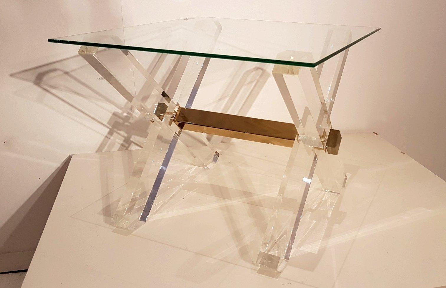 beistelltische aus plexiglas goldenem messing von maison. Black Bedroom Furniture Sets. Home Design Ideas