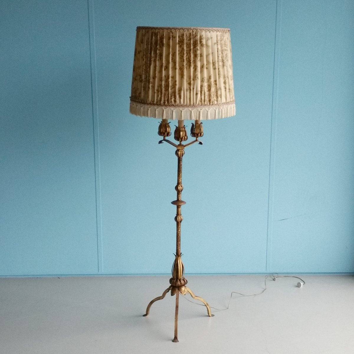 Gilt Metal Floor Lamp with Faux Candles, 1960s for sale at Pamono
