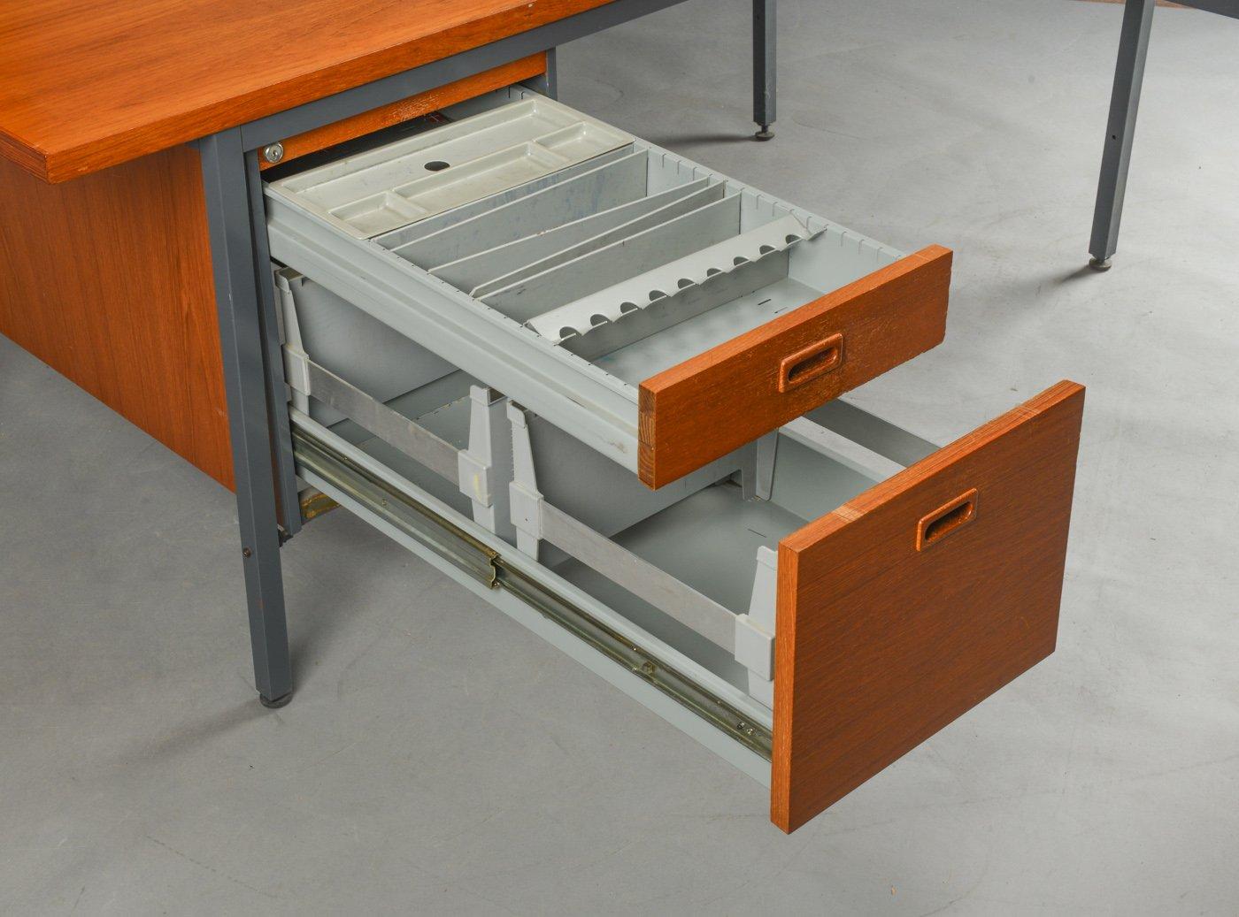 d nischer mid century aktenschrank schreibtisch von nipu 1960er 2er set bei pamono kaufen. Black Bedroom Furniture Sets. Home Design Ideas