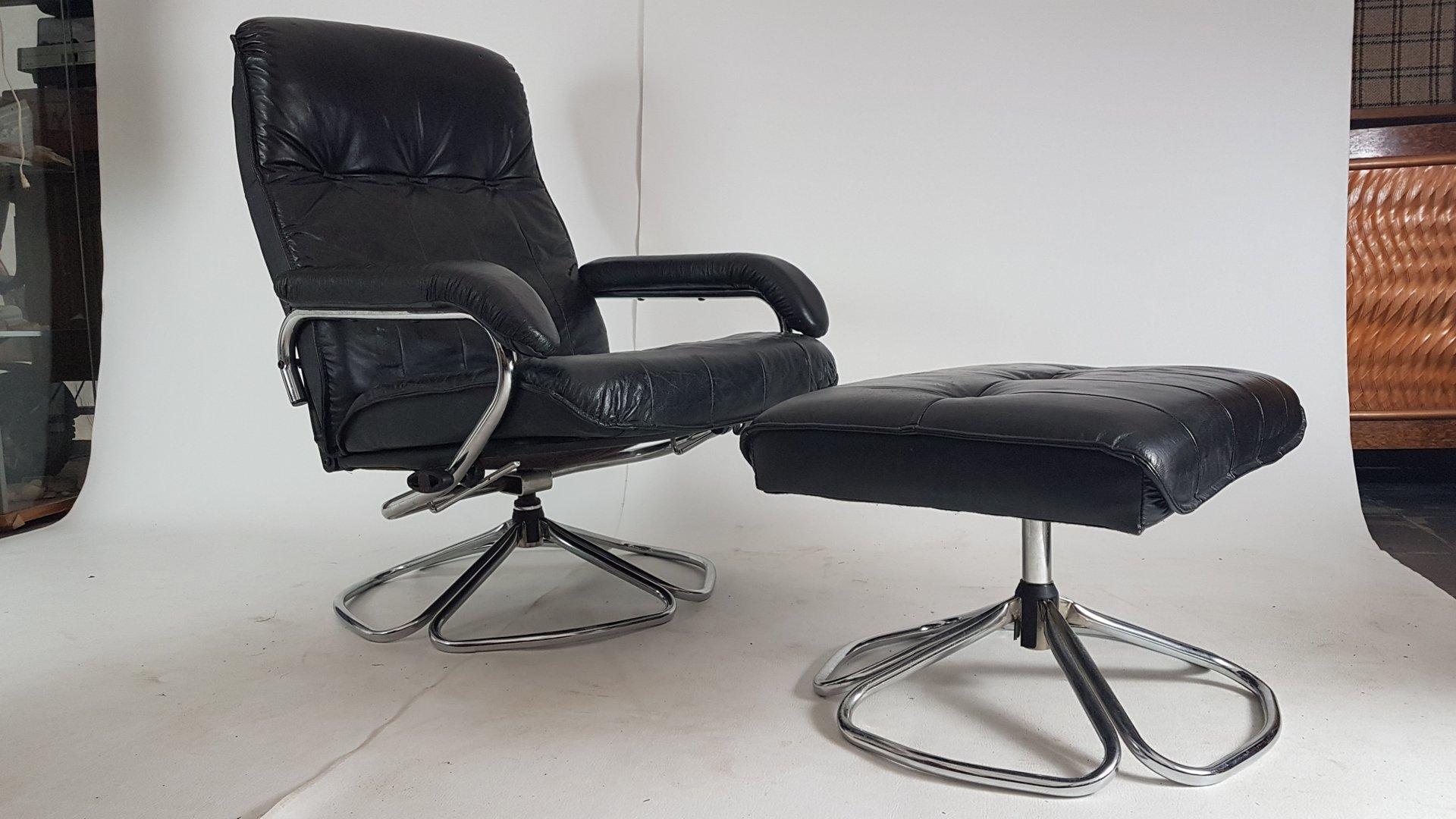 d nischer sessel und hocker von unico 1970er bei pamono. Black Bedroom Furniture Sets. Home Design Ideas