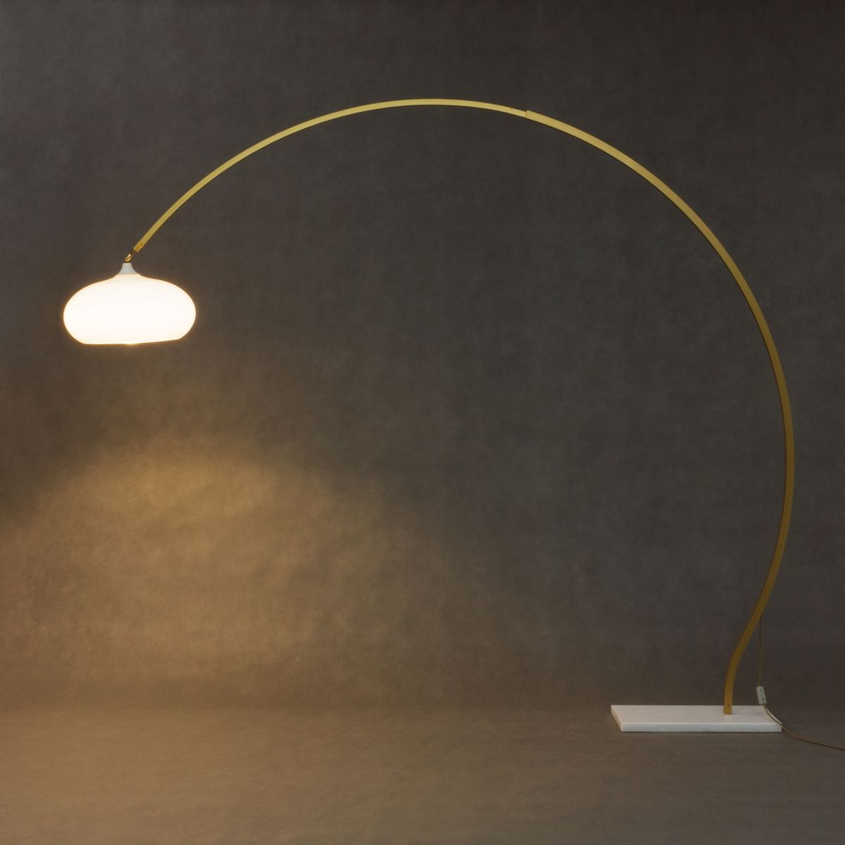Lampada ad arco vintage in marmo, Italia in vendita su Pamono