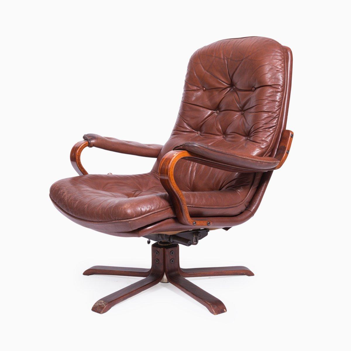 drehbarer vintage ledersessel 1970er bei pamono kaufen. Black Bedroom Furniture Sets. Home Design Ideas