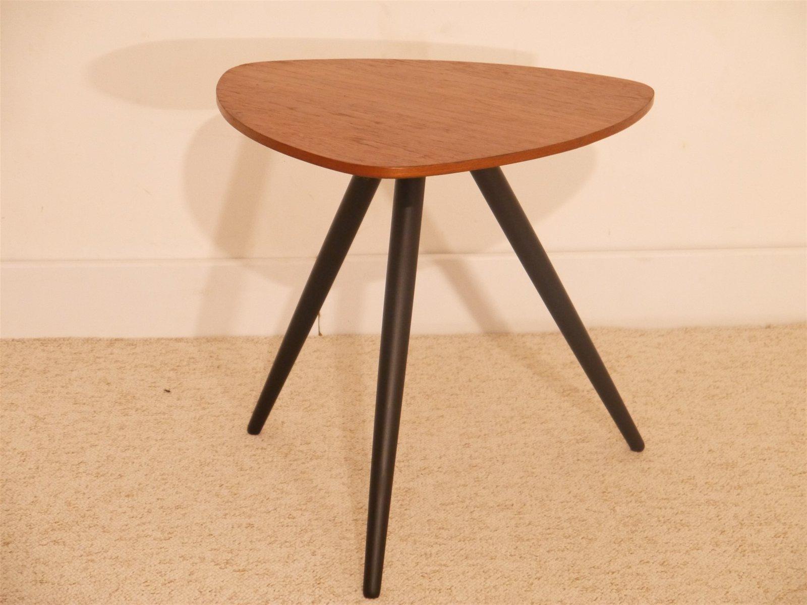 skandinavischer vintage dreibein beistelltisch aus teakholz bei pamono kaufen. Black Bedroom Furniture Sets. Home Design Ideas