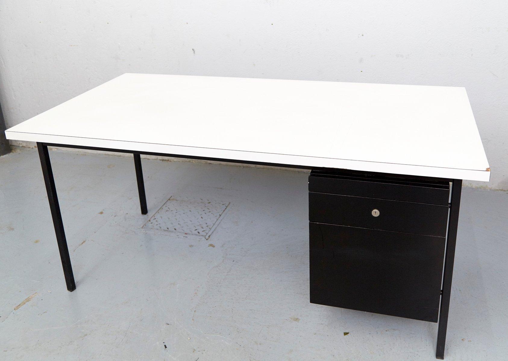 mid century schreibtisch von florence knoll bassett f r knoll inc 1950er bei pamono kaufen. Black Bedroom Furniture Sets. Home Design Ideas