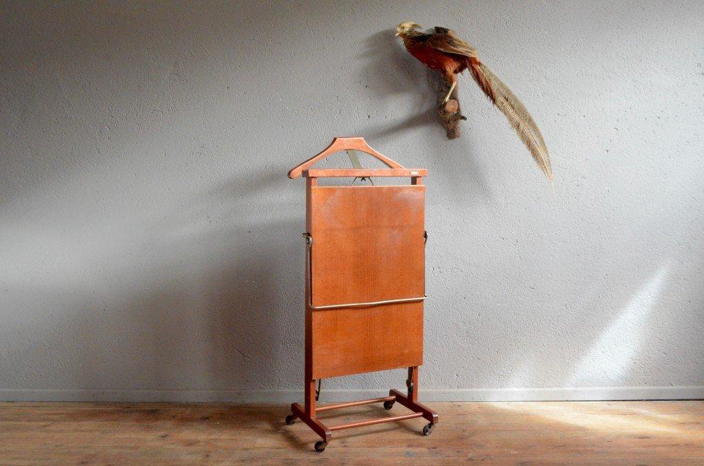mid century schlafzimmer stummer diener von ico parisi f r. Black Bedroom Furniture Sets. Home Design Ideas