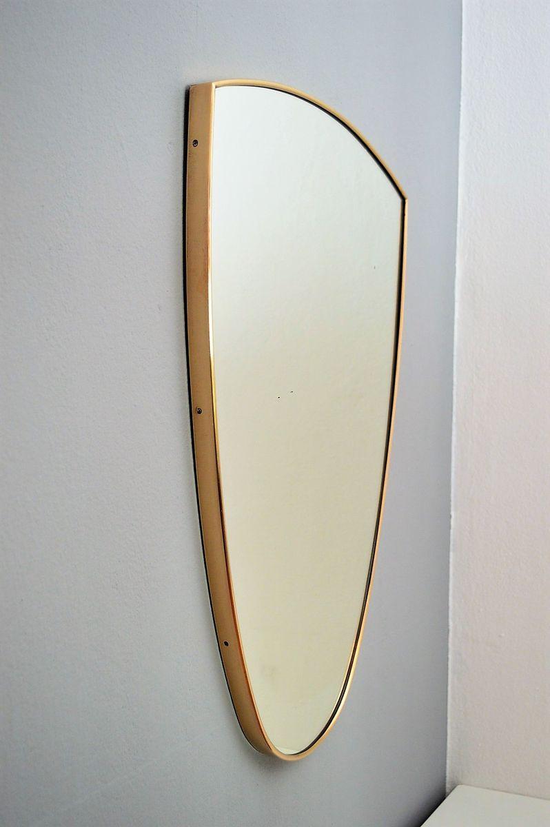 italienischer spiegel mit messingrahmen 1960er bei pamono
