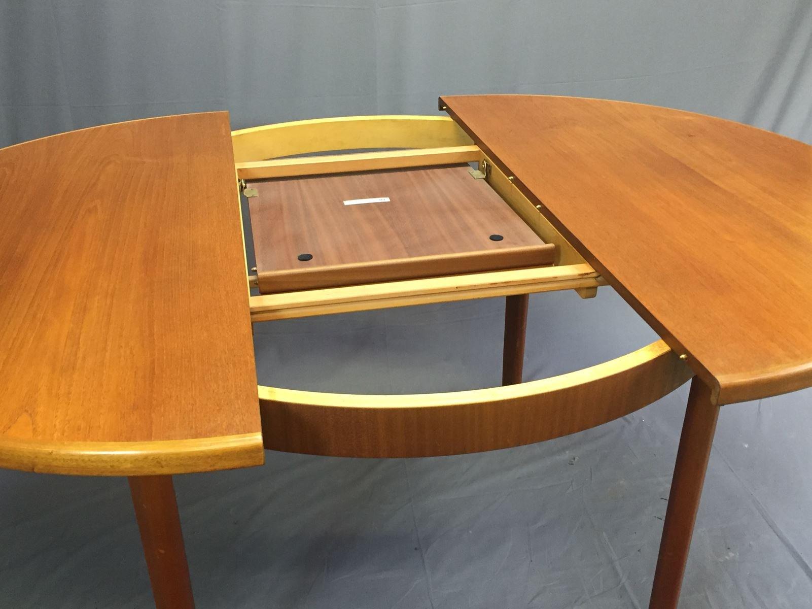 ovaler vintage tisch im skandinavischen stil von mcintosh 1970er bei pamono kaufen. Black Bedroom Furniture Sets. Home Design Ideas