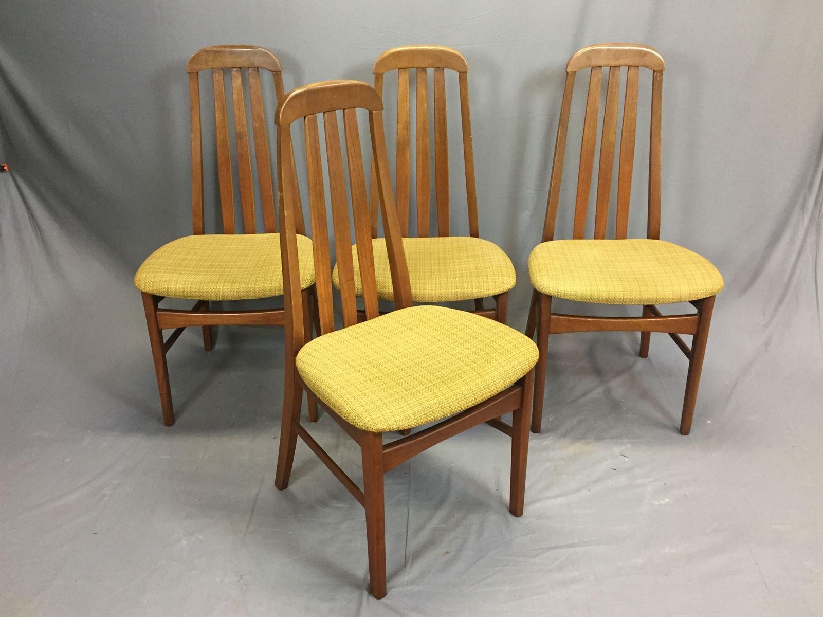 teak st hle 1970er 4er set bei pamono kaufen. Black Bedroom Furniture Sets. Home Design Ideas