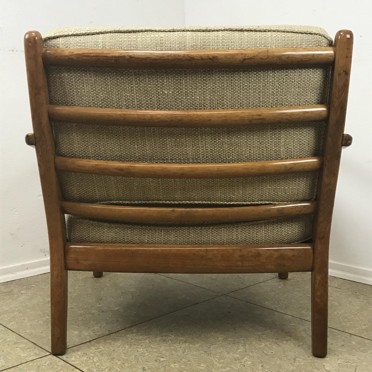 Price per piece - Vintage Easy Chair In Cherry Wood From Straub For Sale At Pamono