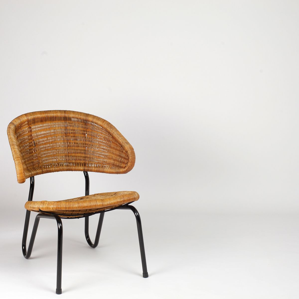 Dutch model 568 rattan chair by dirk van sliedregt for for Dutch design chair uk