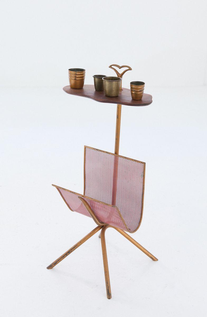 italienischer messing und mahagoni zeitungsst nder mit ablage 1950er bei pamono kaufen. Black Bedroom Furniture Sets. Home Design Ideas