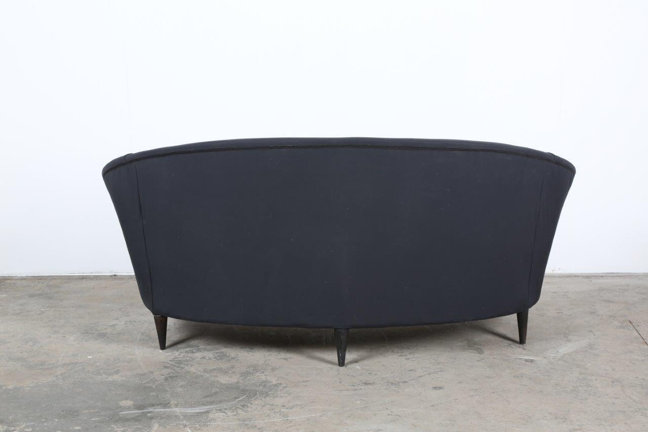 italienisches schwarzes mid century zwei sitzer sofa 1950er bei pamono kaufen. Black Bedroom Furniture Sets. Home Design Ideas