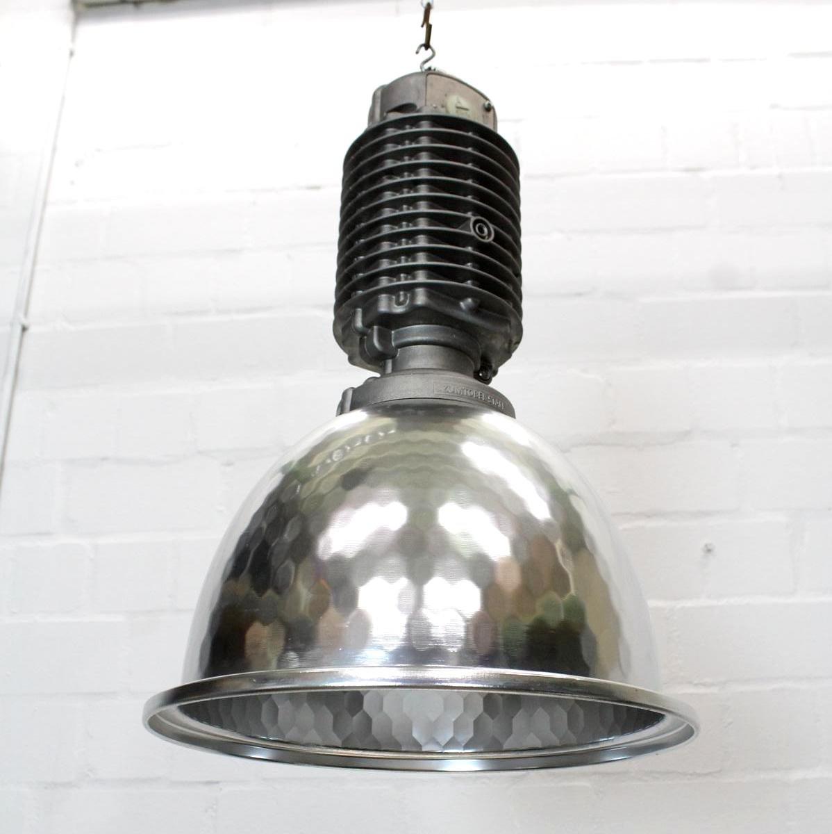 industrielle vintage lampe von zumtobel bei pamono kaufen. Black Bedroom Furniture Sets. Home Design Ideas
