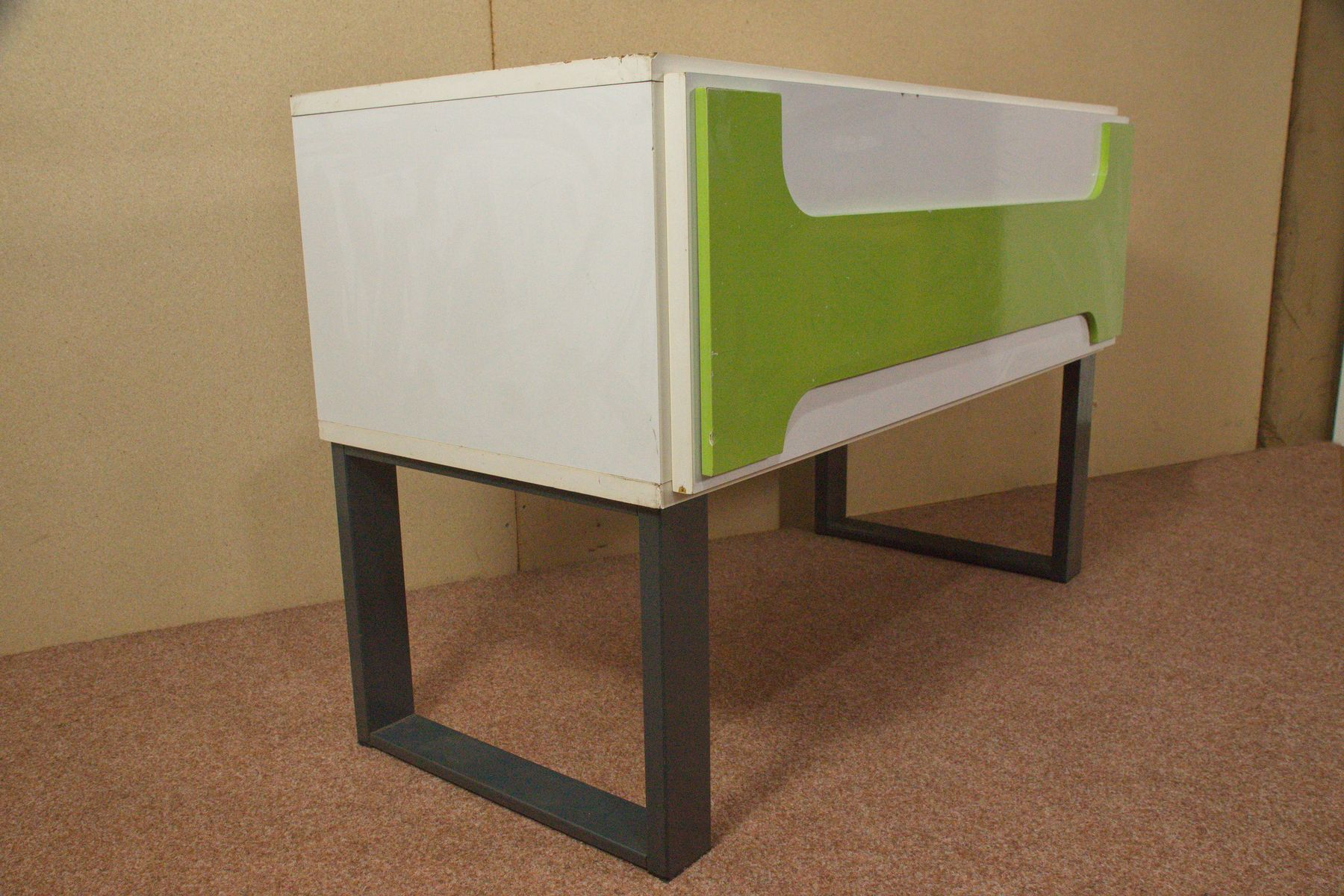 Small white and green cabinet 1970s for sale at pamono for Sideboard 3 meter lang