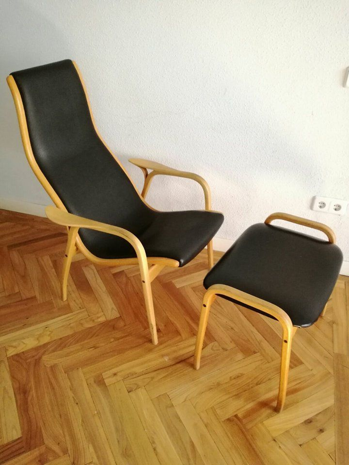 Vintage Leather Chair With Footrest From Swedese