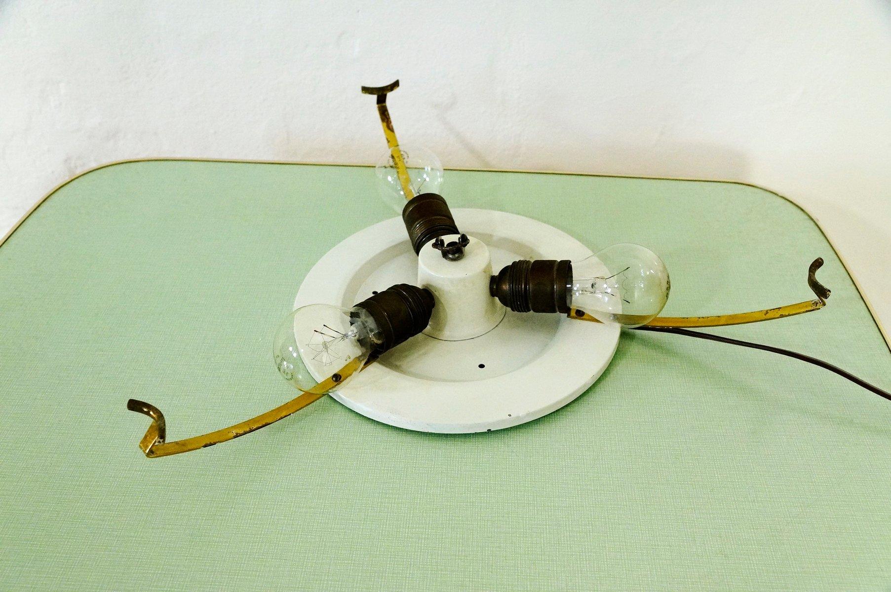 Dreieckige deckenlampe aus messing glas 1950er bei for Deckenlampe messing