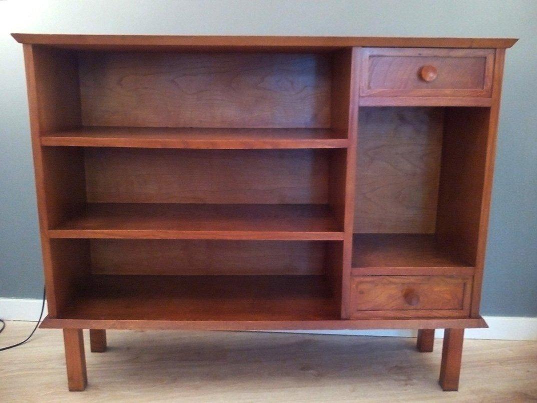 kleines franz sisches b cherregal aus eiche 1950er bei. Black Bedroom Furniture Sets. Home Design Ideas