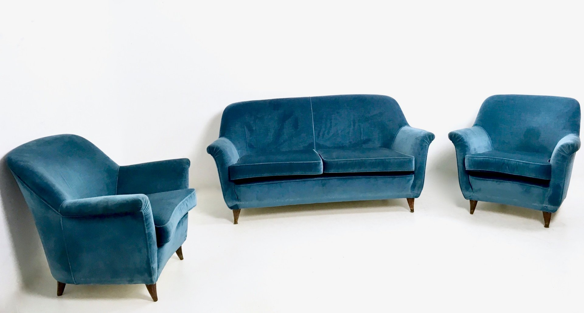Italian Mid Blue Velvet Living Room Set 1950s for sale at Pamono