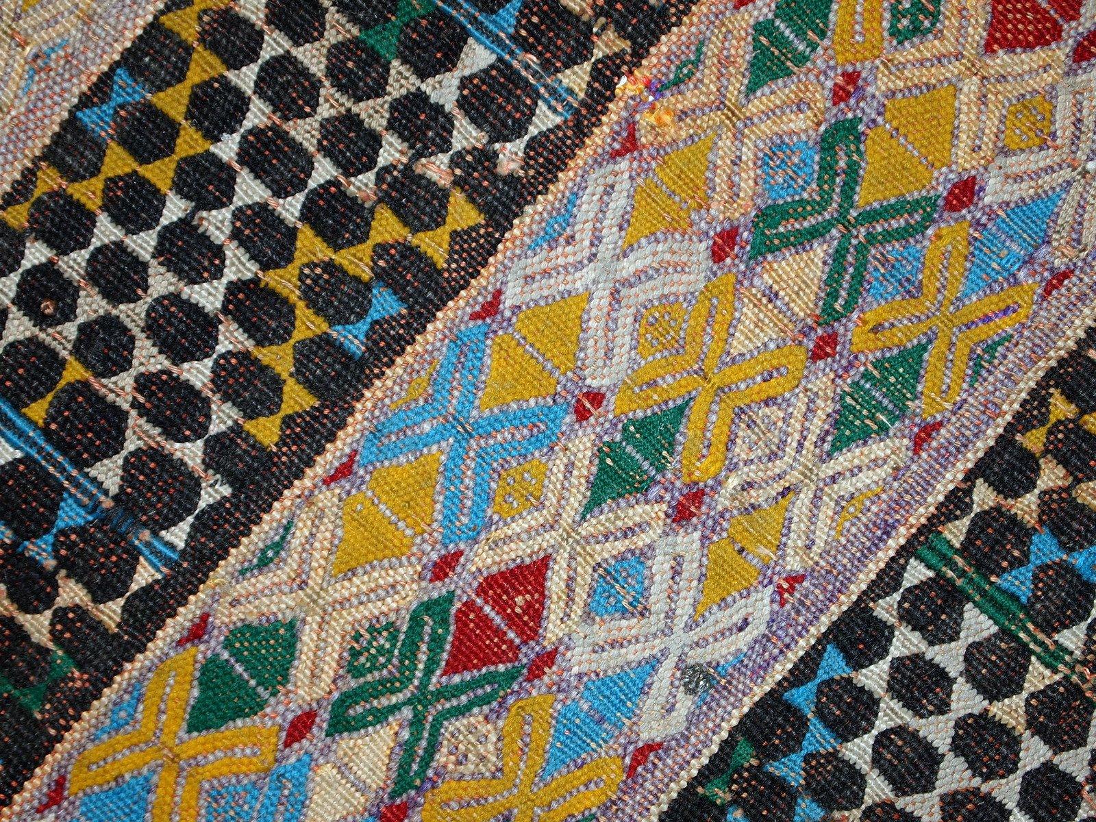handgemachter tunesischer vintage kilim flachgewebe teppich 1950er bei pamono kaufen. Black Bedroom Furniture Sets. Home Design Ideas