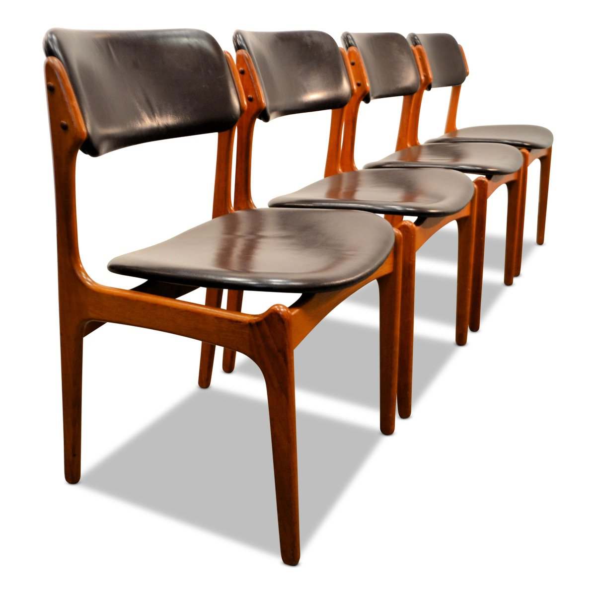 Model 49 Teak Dining Chairs By Erik Buch For Odense Mobelfabrik 1960s Set Of 4 Sale At Pamono