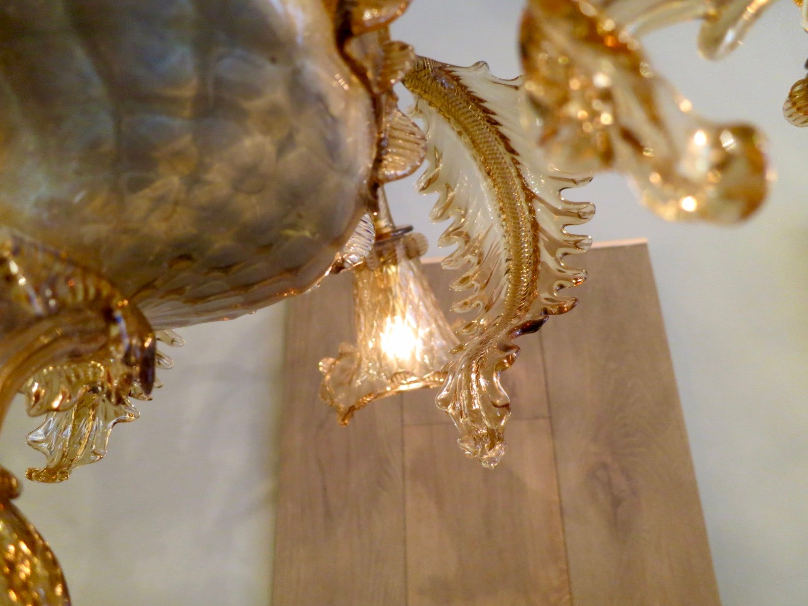 Vintage murano chandelier for sale at pamono vintage murano chandelier 6 1315200 price per piece mozeypictures Gallery