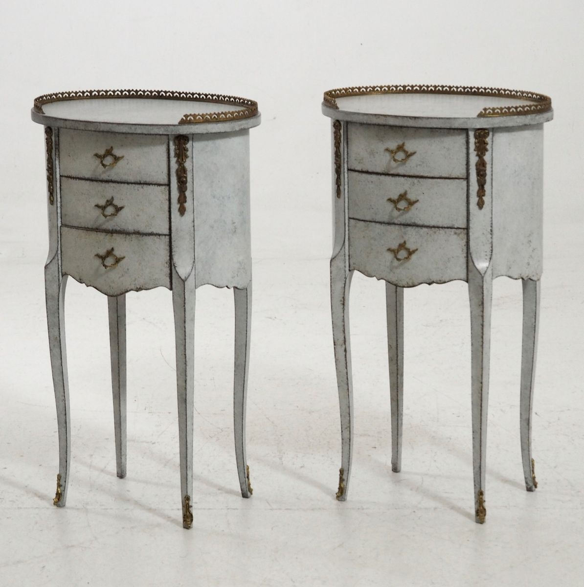 Antique French Side Tables with Bronze Details, Set of 2 - Antique French Side Tables With Bronze Details, Set Of 2 For Sale