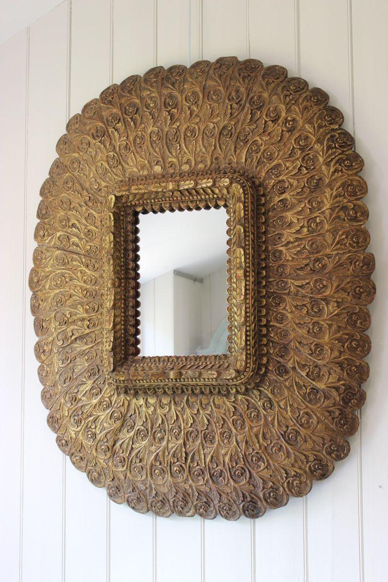 gro er vintage spiegel mit rahmen aus geschnitztem. Black Bedroom Furniture Sets. Home Design Ideas