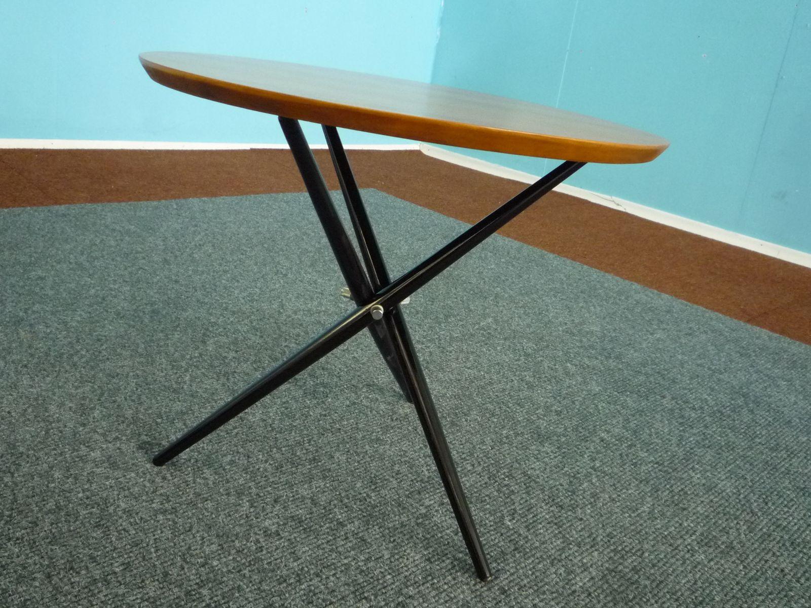 Tavolino tripode di Hans Bellmann per Knoll Svizzera anni 50