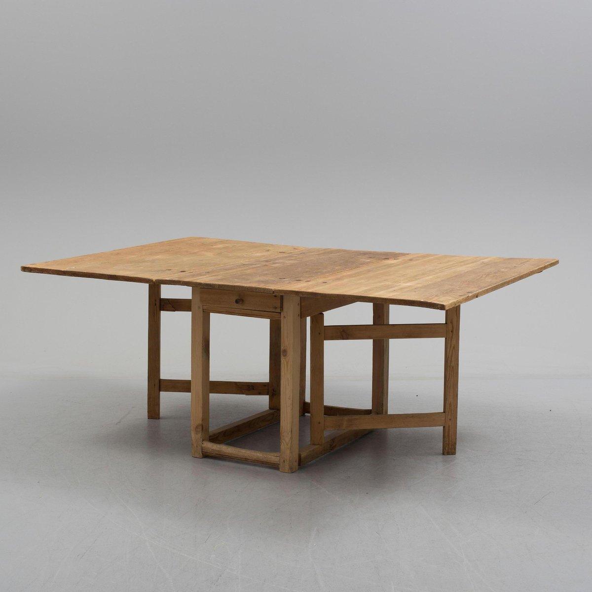 3 folding table