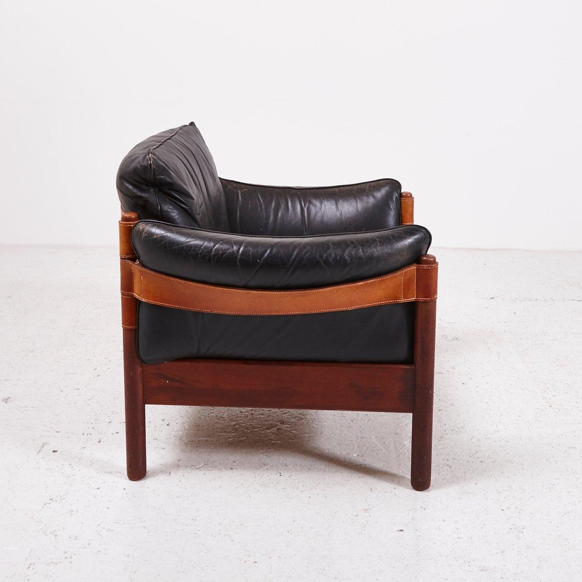 schwarzer vintage ledersessel mit lederg rtel bei pamono kaufen. Black Bedroom Furniture Sets. Home Design Ideas